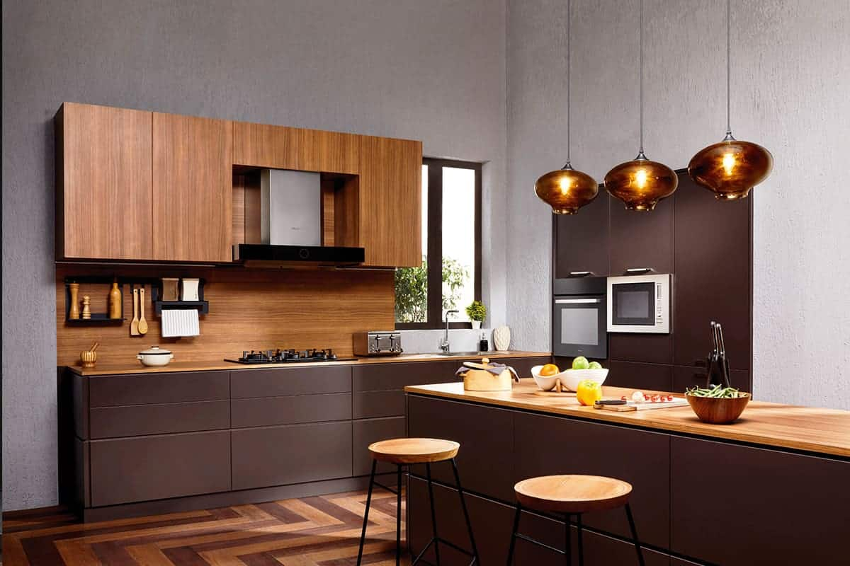 Striking Veneer Combined With Matt Finish Handles Kitchen