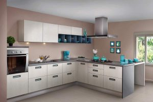 Simple Flushed Handle Peninsular Kitchen