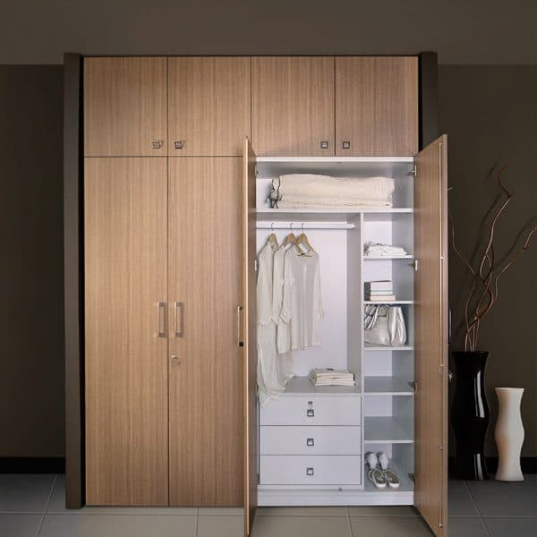 Wardrobe With White Internal Partition1